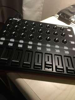 AKAI MidiMix Controller