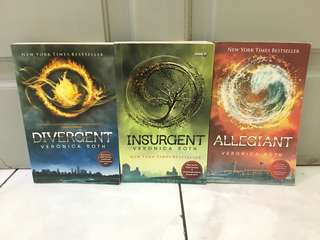 NOVEL Divergent Trilogy - Veronica Roth