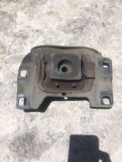 Mazda 3 1.6 engine support/mount