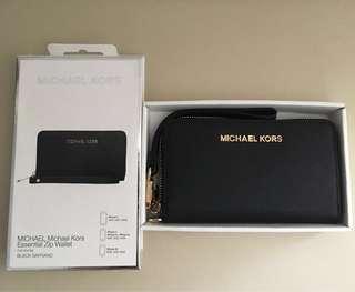 Michael Kors Essential Zip