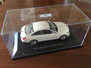 Mercedes Benz E-Class 1:43 model car