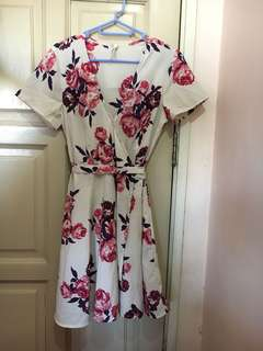 [BRAND NEW] Floral Wrap Dress