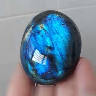 Very nice, Labradorite palm stone( 灰月光石手把件). Nice full flash.