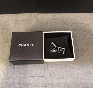 Chanel Earrings 黑色樹脂小珍珠CC耳環