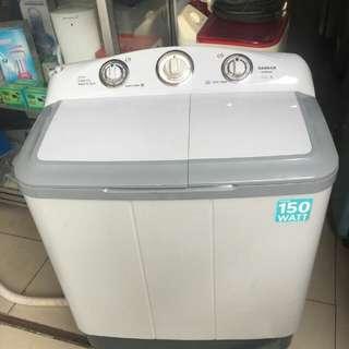 Mesin cuci 2 tabung merk Sanken 8kg mulus seperti baru