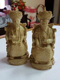 Stone carving of Emperor & Dowager