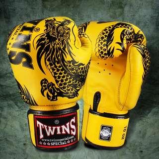 Twins Special Muay Thai Gloves 'Dragon' Yellow/Black – 12 oz
