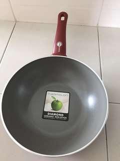 Non Stick Diamond Ceramic Frying Pan