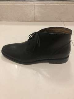 Florsheim Montinaro Plain Toe Dress Casual Chukka Boot