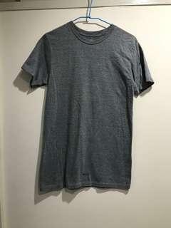 🚚 Huf 街頭 潮牌 深灰 灰色 長版 素t tee t-shirt 短袖