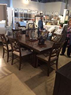 Like new modern dining room table