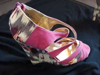Ladie's shoes/sandals