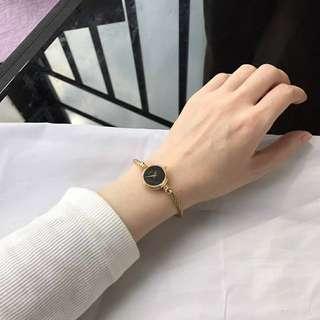 gucci watch w/box