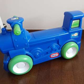 Little Tikes Sit and Roll Train