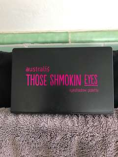 "Australis Eyeshadow Palette ""Those Smoking Eyes"""