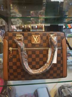 LV 9313 HANDBAG luxury
