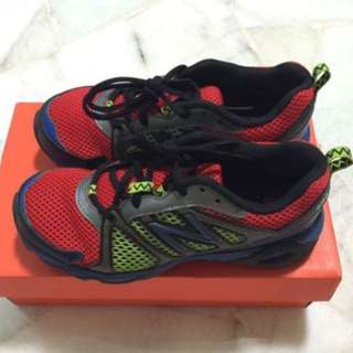 New Balance Boys 696 Running Shoes