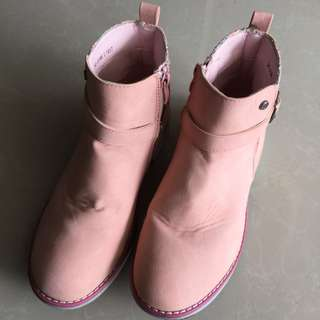 Bubblegums pink boot for girl size 3