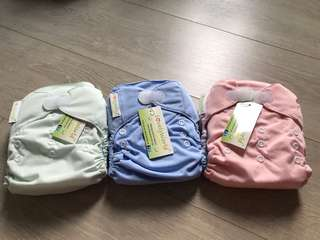 Cloth Diapers- lovely world (new)