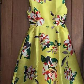 Dress flower Yellow