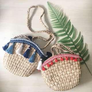 Rattan bucket bag (blue tassels)