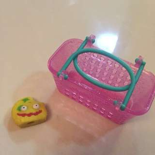•used• Shopkins (5 characters & 5 baskets)