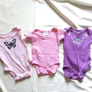 Carters onesie 0-3 months