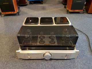 Tri A-88T tube int amplifier