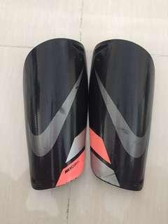 Nike Shin Guard mercurial Black