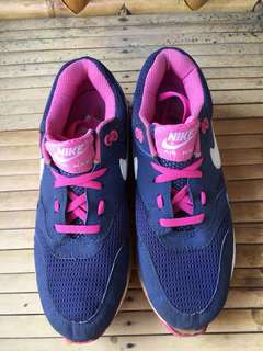 Sepatu Sporty wanita
