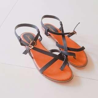 涼鞋~多線交叉編織平底露趾涼鞋