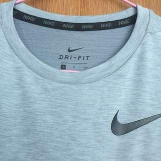 xxs/xs Nike dri-fit tee