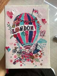 Accessorize 筆記本 厚 簿 London 購入 只有一本 😊布 質地