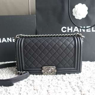 LN #23 Chanel Caviar Old Medium RHW