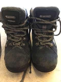 Hi-tec boys waterproof hiking/ snow boots (US13/EUR31/UK12)