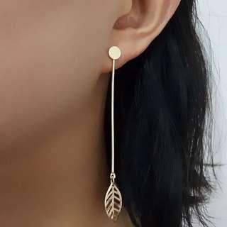 F26, Leaf earrings