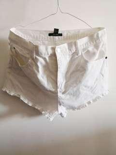 Forever 21 White Shorts (Size 31)