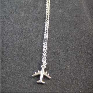 Plane necklace travel