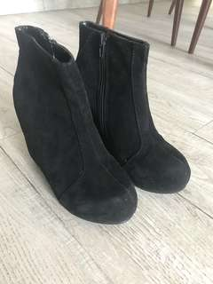 Suede Boots size 36