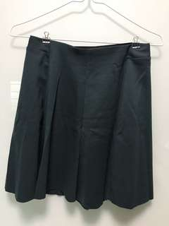 (M) Bershka green skirt