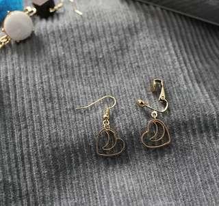 F28, Heartshape moon earrings