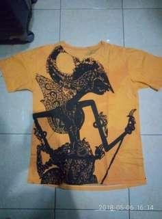Kaos batik wayang