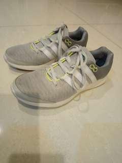 🚚 Adidas女生運動鞋 US7.5