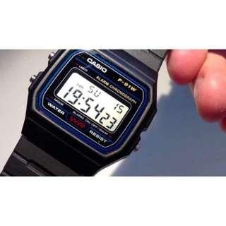 Unisex casio vintage rubber watch