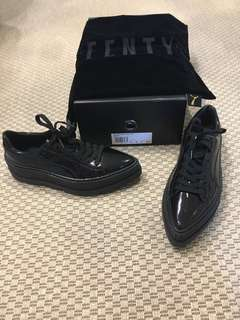 Ferry pointy creepers