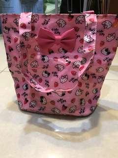 🚚 Hello Kitty手提包(711合作商品)