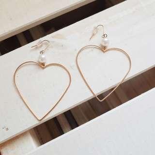 🚚 愛心珍珠耳環