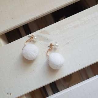 🚚 珍珠毛球耳環