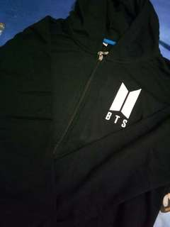 Readystock BTS Love Yourself V 95 size M colour Black