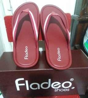 Sandal Fladeo Baru 100%  Merah (Limited Edition)
